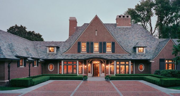 Arts and Crafts Cottage in Bloomfield Hills by Ike Kligerman Barkley (PHOTOS)