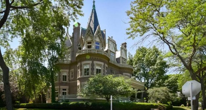 Historic c.1896 'Goldberg Mansion' in Milwaukee, WI Reduced to $1.29M, Prev. $1.69M (PHOTOS)