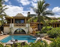 Beachfront Hawaiian Dream Home by Architects Ike Kligerman Barkley (PHOTOS & VIDEO)