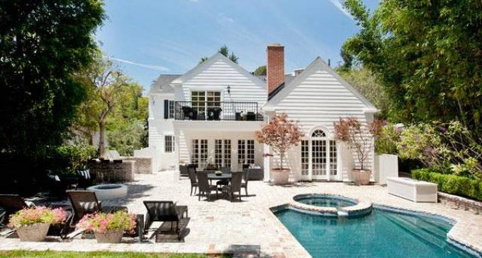 Before & After: 1930s Los Angeles East Coast Traditional Modernized, Relists for $4.48M (PHOTOS)