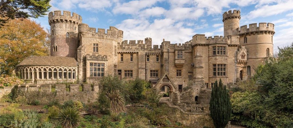 UK's Historic Medieval Devizes Castle On the Market for £3.25M (PHOTOS)