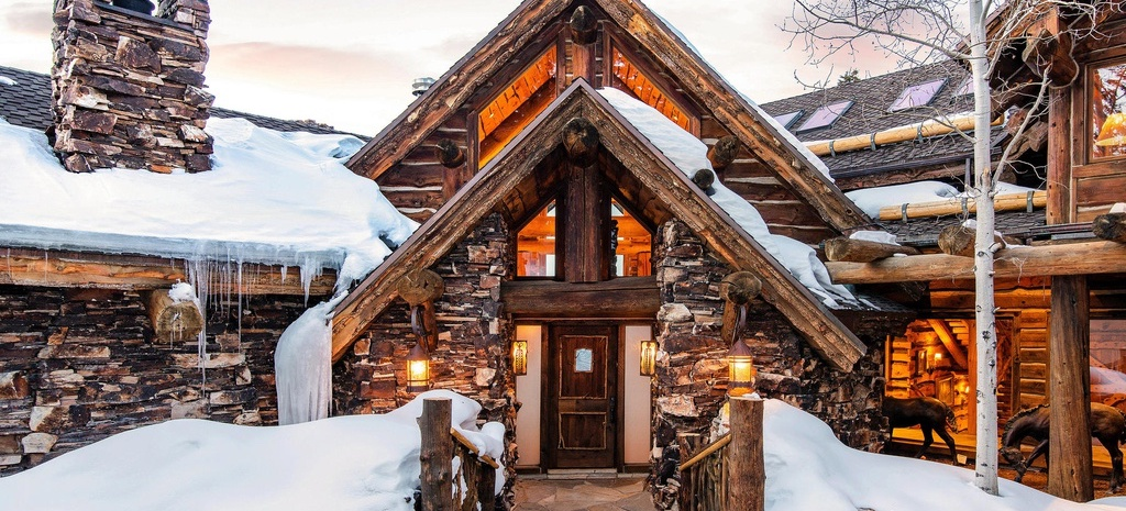 Log & Stone Lodge in Deer Valley's Bald Eagle Enclave Lists for $9.9M (PHOTOS)