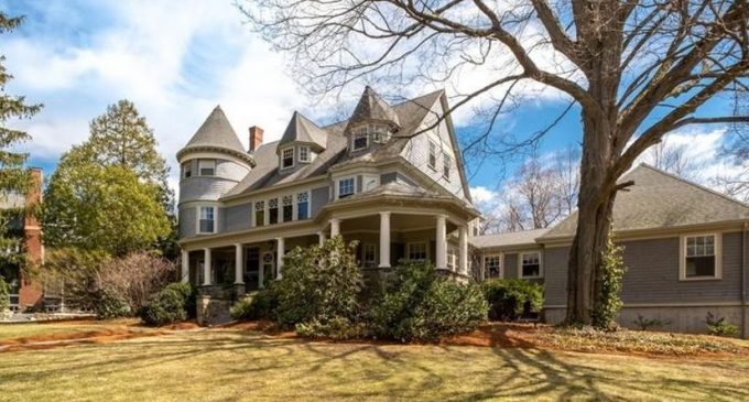 c.1895 Queen Anne Victorian Sells for $2.3M in Winchester, MA (PHOTOS)