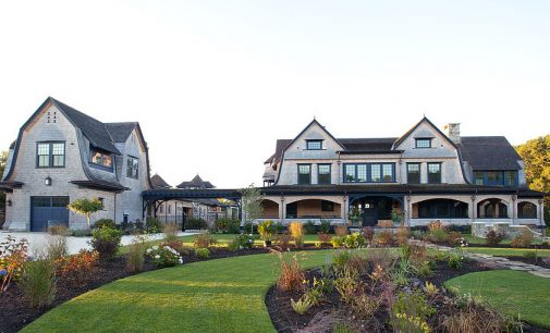 New England Dream Home on Potter's Pond by Leslie Architects (PHOTOS)