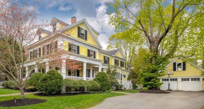 Historic Victorian Farmhouse in Winchester, MA for $2.19M (PHOTOS)