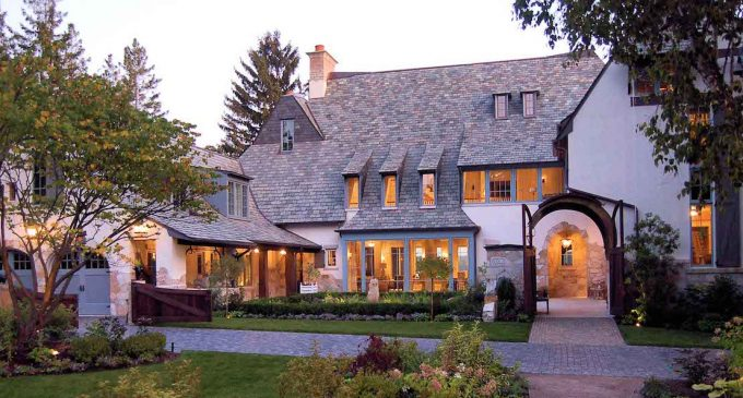 Lake Geneva Lake House by Michael Abraham Architecture (PHOTOS)