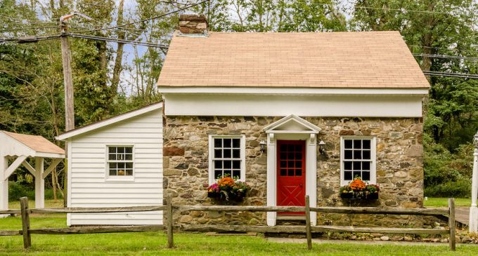c.1764 620 Sq. Ft. Stone Cottage in Washington Crossing, PA for $250K (PHOTOS)