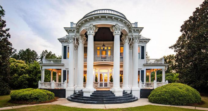 c.1895 Beaux-Arts Dream Home in Mayesville, SC for $599K (PHOTOS)