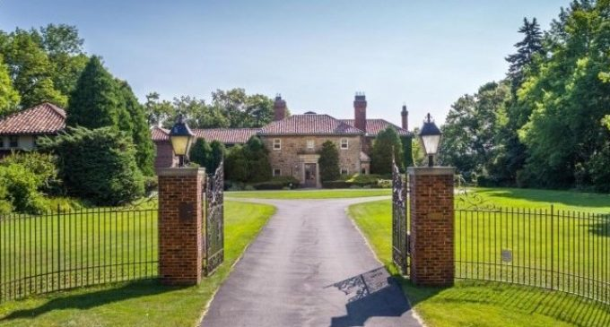 Historic c.1927 Lakefront Mansion Torn Down in Shorewood, WI (PHOTOS & VIDEO)