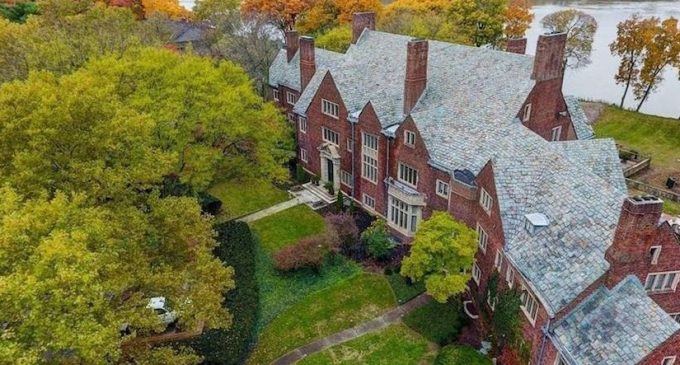 """Middle Unit"" of Historic c.1927 Ford Mansion in Perrysburg, OH Reduced to $895K (PHOTOS)"