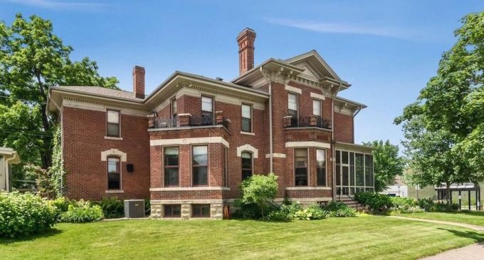 c.1884 James Vincent Italianate House in La Crosse, WI Reduced to $399K (PHOTOS)
