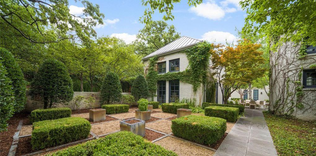 Contemporary Stephen Sills Designed Residence on 4 Acres in Tulsa, OK for $6.95M (PHOTOS)