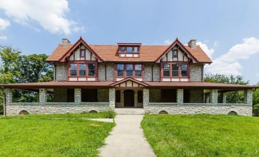 114-Year-Old Boarded Up Barth's Estate in Maryland Heights, Missouri | $1.5M (PHOTOS)