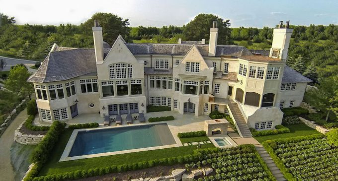Hilltop Manor with Ski Hill By Murphy & Co Lists in Eden Prairie for $6.5M (PHOTOS)
