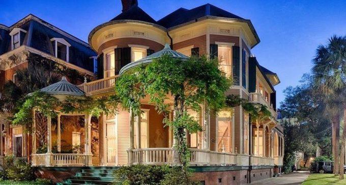 c.1897 Victorian Chestnut House in Savannah, GA for $2.2M (PHOTOS & VIDEO)