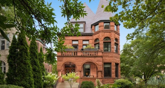 c.1895 Richardsonian Romanesque Manor Reduced to $5M in Chicago's Lincoln Park (PHOTOS)