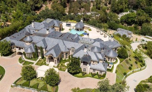 YouTuber Jeffree Star Releases House Tour of New $14.6M Hidden Hills Estate (PHOTOS & VIDEO)