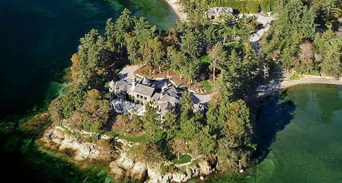 Prince Harry and Meghan Markle Spending Christmas in $18M Canadian Mansion (PHOTOS)