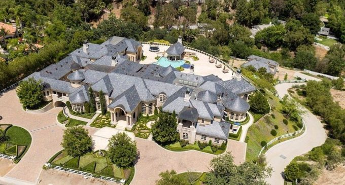 Jeffree Star Planning First Major Renovation in $14.6M Mansion with Fellow YouTuber Mr. Kate (PHOTOS & VIDEO)