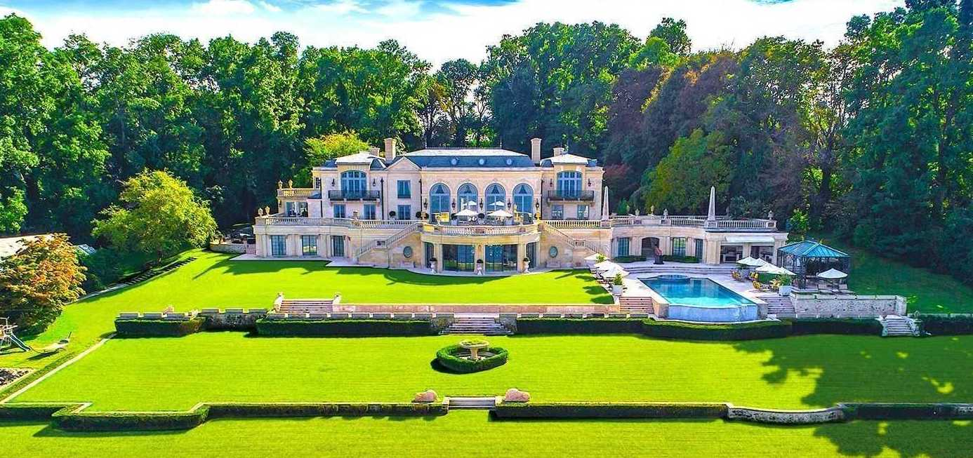 Bayfront Spring Knoll Estate in Kings Point, NY Relists for $35M (PHOTOS)