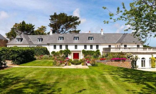 Eagle's Rest | £16.5M Country Home Perched Above St Aubin's Bay in Jersey (PHOTOS)