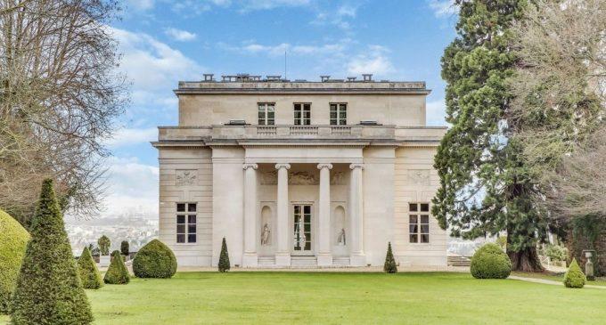 18th Century Pavillon de Louveciennes Lists in France (PHOTOS)