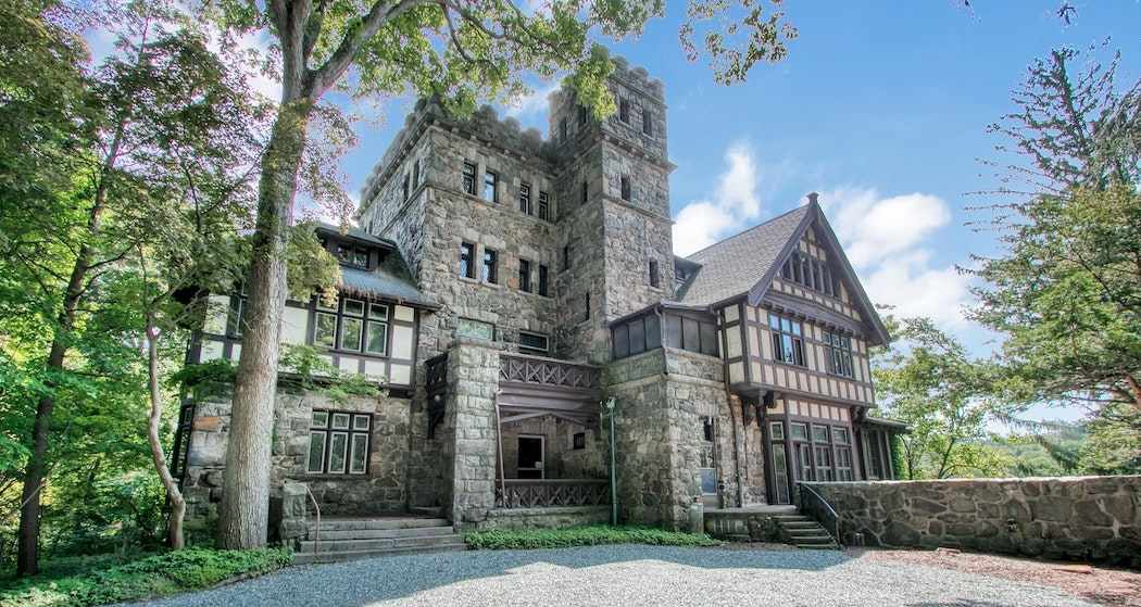 Hoffman Castle | c.1904 Tudor Revival Lists in Tuxedo Park for $975K (PHOTOS)