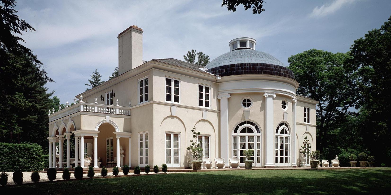 New Canaan's Huckleberry House Designed by Allan Greenberg Sells for $3.5M (PHOTOS)