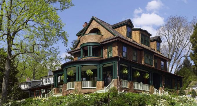 Classic Shingle-Style in Washington, D.C. by Barnes Vanze Architects, Inc. (PHOTOS)