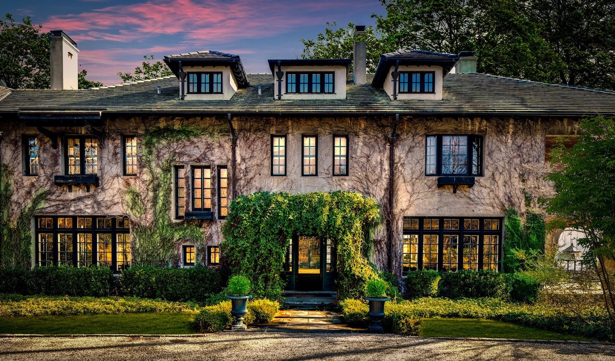 Frog Songs | Historic c.1908 Residence on Oyster Bay's Centre Island Reduced to $6.9M (PHOTOS)