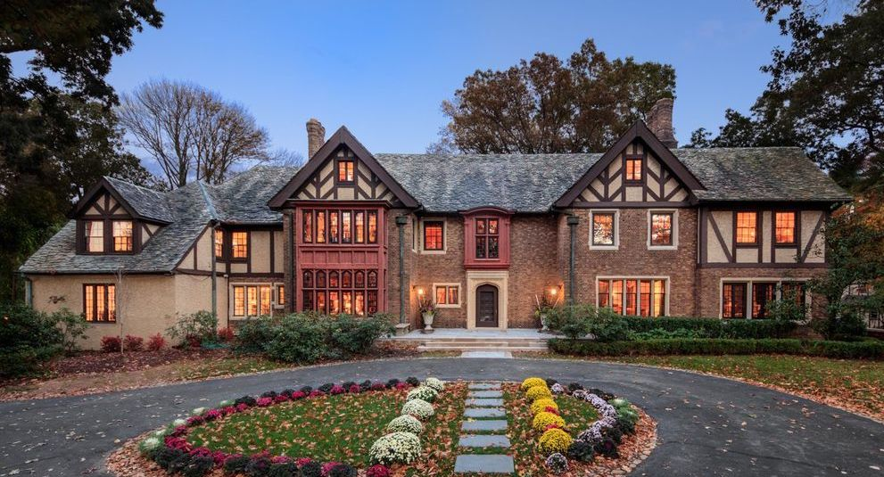 Renovated 1920s Tudor Revival Relists in Summit, NJ for $3.7M (PHOTOS)