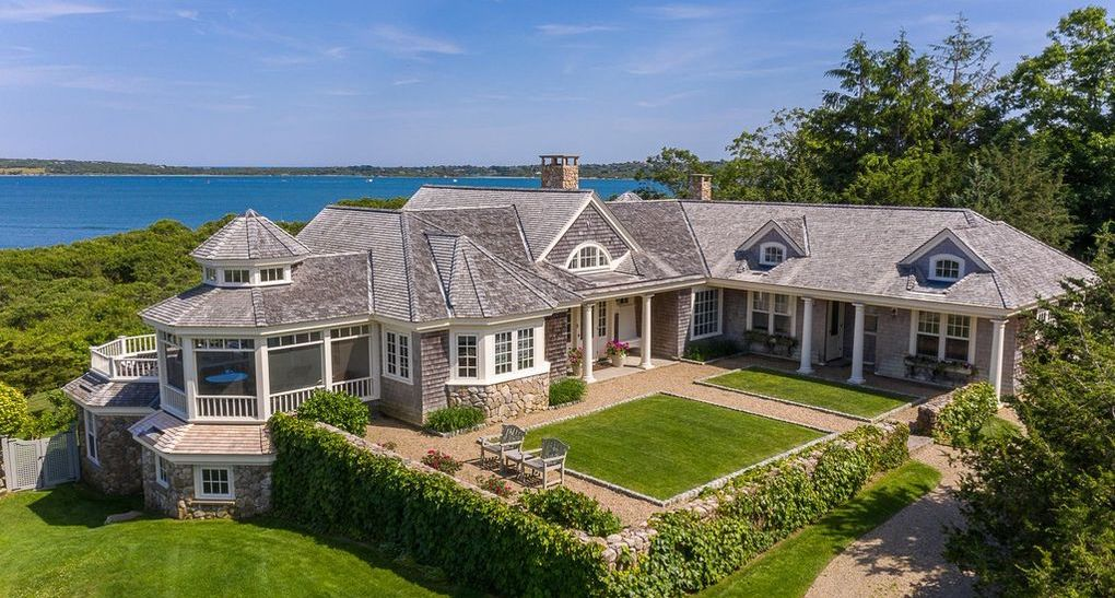 Hutker Architects-Designed Residence Overlooking Menemsha Pond for $5.8M (PHOTOS)