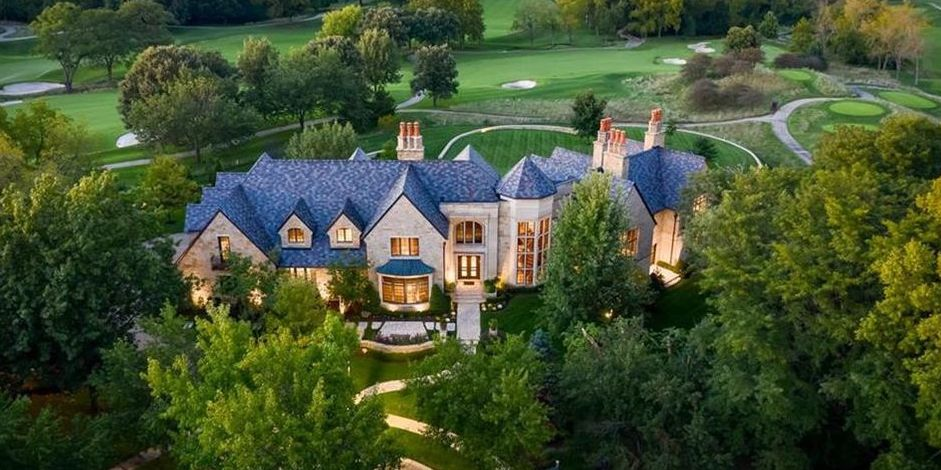 Stone Hallbrook Country Club Residence Lists in Kansas for $4.8M (PHOTOS)