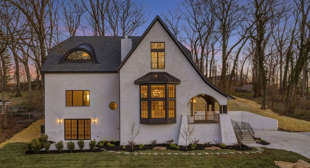 New Modern Home by Landon Development in Nashville for $1.8M (PHOTOS)