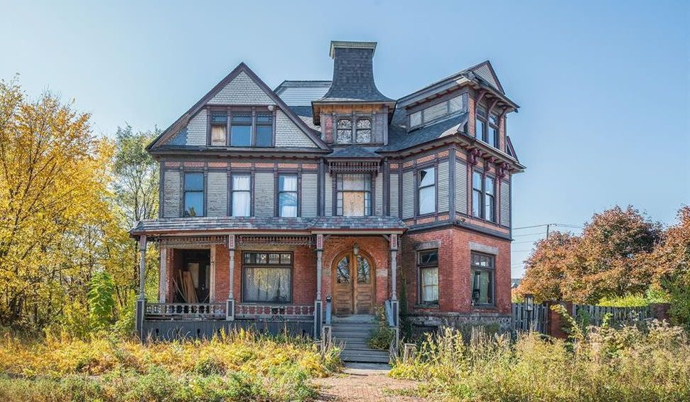 c.1900 Fixer-Upper Victorian in Historic Woodbridge Farms Asks $800K (PHOTOS)