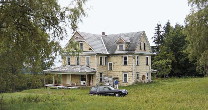 Abandoned 110-Year-Old Farmhouse in Upstate New York Brought Back in Incredible Renovation (PHOTOS)