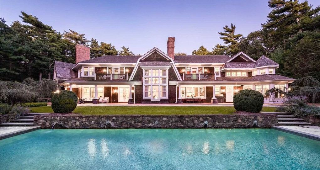 East Hampton's 3 Acre Boxwood Estate for $4.3M (PHOTOS)