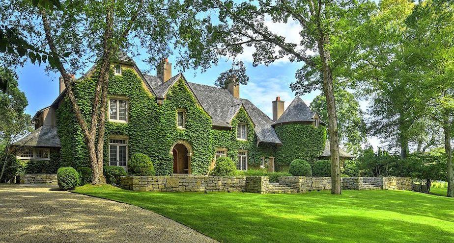East Hampton Village Manor Designed by Barnes Coy Architects Asks $8M (PHOTOS)