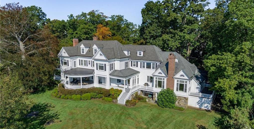 Historic c.1898 Larchmont Harbor Colonial Mansion Lists for $8M (PHOTOS)
