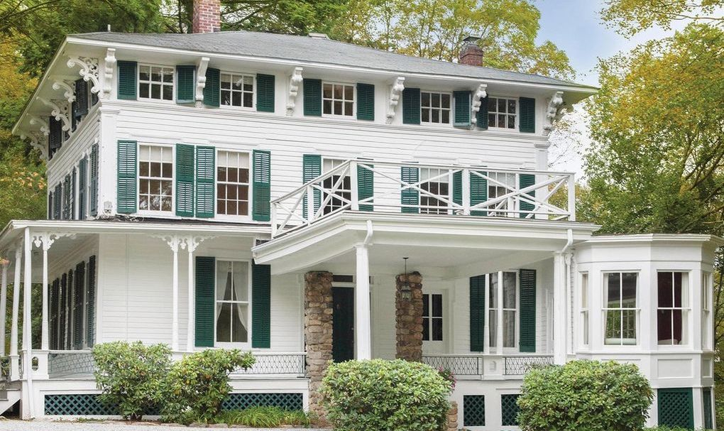 c.1845 Italianate Home in New Canaan, CT Reduced to $1.3M (PHOTOS)