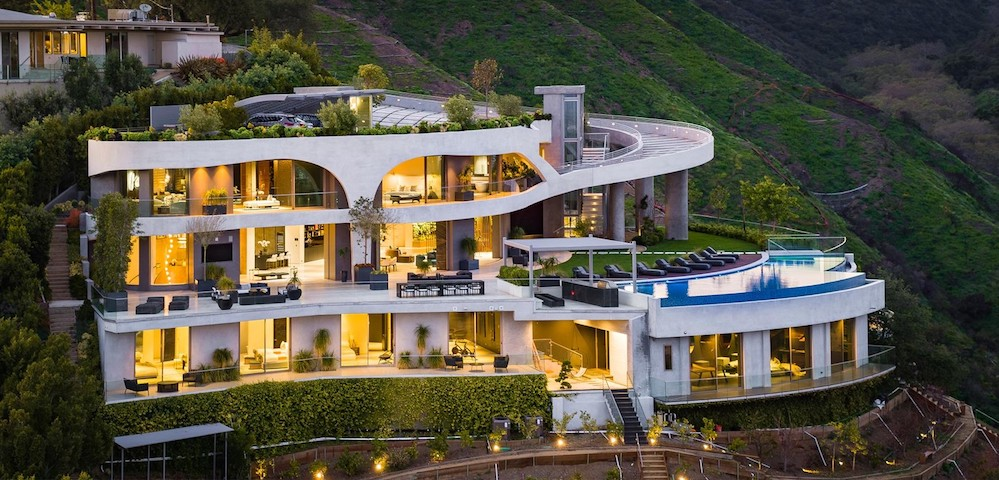 Contemporary Cliffside Spec Mansion by de Loren & Associates Sells in L.A. for $23.5M (PHOTOS)