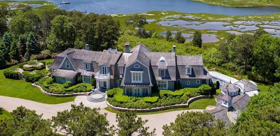Toys R Us VP's Former 7.6 Acre Pinquickset Cove Estate Reduced to $6.8M (PHOTOS)