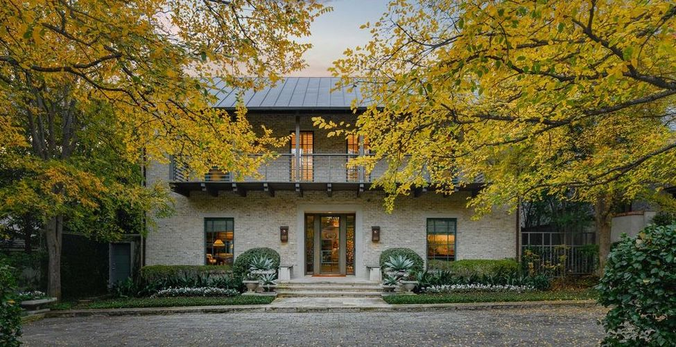 Frank Welch-Designed Home Overlooking Dallas Country Club Asks $6M (PHOTOS)