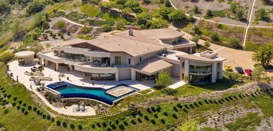 19,000 Sq. Ft. Modern Mansion lists in Laguna Niguel, CA  for $18M (PHOTOS)