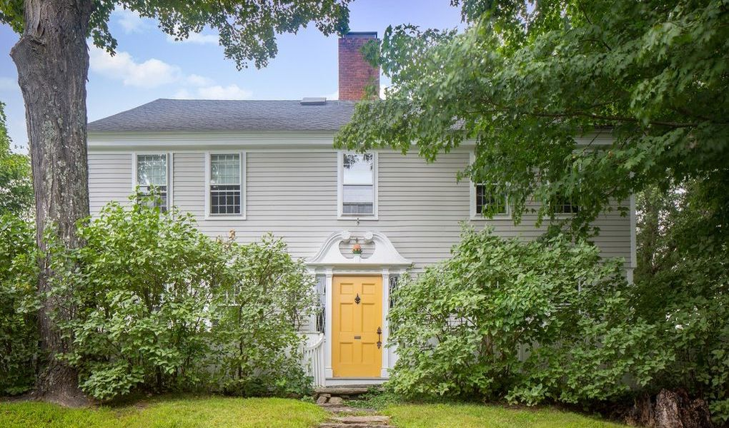 Historic 1786 Highfield lists on 7.35 Acres in Washington, CT for $3.2M (PHOTOS)