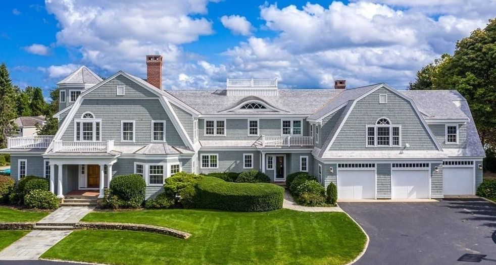 2.54 Acre Seaside Estate lists in Duxbury, MA for $7M (PHOTOS)
