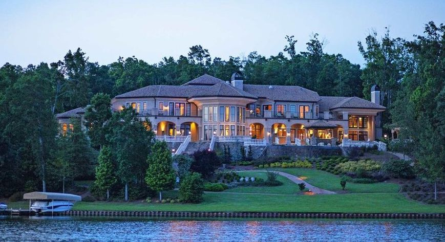 Landmark 15,000 Sq. Ft. Lake Oconee Mansion Sells for $5.25M in Georgia (PHOTOS)